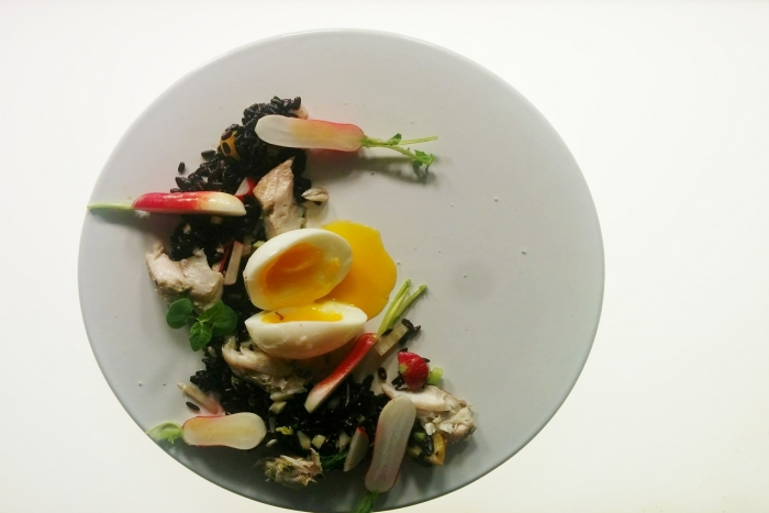 recette de salade de riz aux crevettes mangue et lait de coco. Black Bedroom Furniture Sets. Home Design Ideas