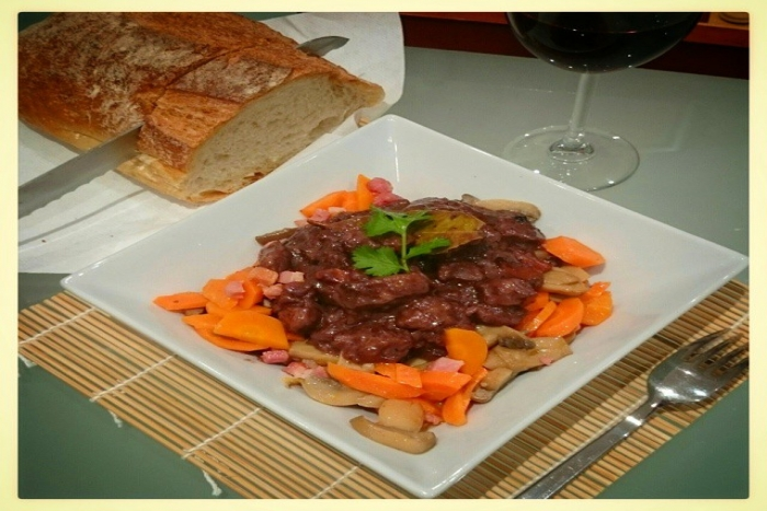 boeuf bourguignon a la cocotte minute recette de boeuf bourguignon a la cocotte minute. Black Bedroom Furniture Sets. Home Design Ideas