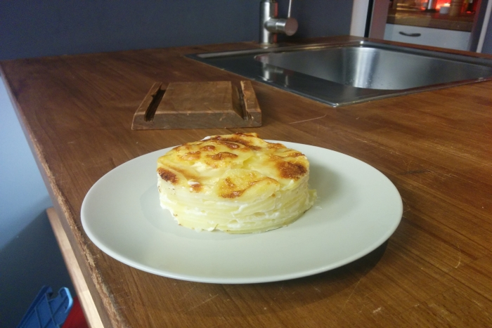 gratin dauphinois recette de gratin dauphinois. Black Bedroom Furniture Sets. Home Design Ideas