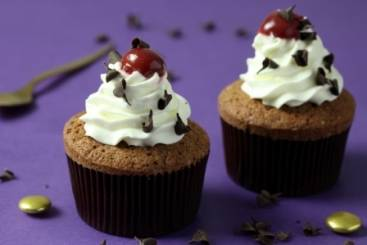 https://www.atelierdeschefs.com/media/dossiers-d1435cupcake-recipes-chocolate-vanilla-carrot.jpg