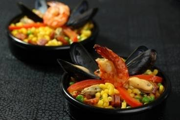 https://www.atelierdeschefs.com/media/dossiers-d1475paella-recipes.jpg