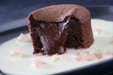 https://www.atelierdeschefs.com/media/dossiers-d1494chocolate-recipes-cupcakes-fondant-mousse.jpg
