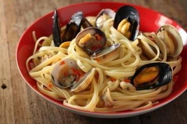 Seafood linguine with chilli