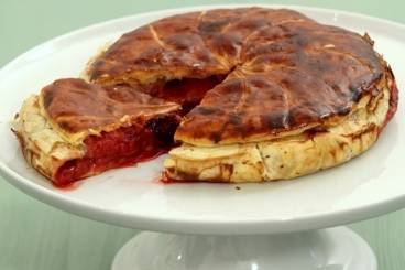 https://www.atelierdeschefs.com/media/recette-d11877-tourte-aux-fruits-rouges.jpg