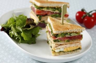 https://www.atelierdeschefs.com/media/recette-d120-club-sandwich-facon-palace.jpg