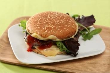 https://www.atelierdeschefs.com/media/recette-d12534-double-cheeseburger-reserve-aux-enfants.jpg