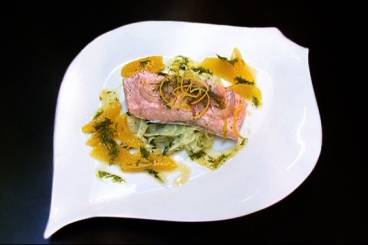 Steamed salmon fillet with fennel salad and a dill dressing Recipe