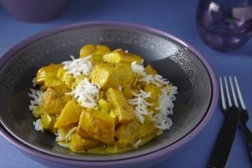 Filet de poulet au curry de fruits, riz basmati, les recettes de nos chefs
