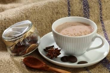 https://www.atelierdeschefs.com/media/recette-d13210-chocolat-chaud-aux-zestes-d-orange.jpg