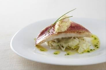 Crisp fillet of red mullet with fennel, crab and chive vinaigrette