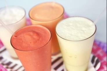 https://www.atelierdeschefs.com/media/recette-d1388-milk-shake-aux-fruits-rouges.jpg