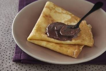 https://www.atelierdeschefs.com/media/recette-d16580-crepes-faciles-au-chocolat.jpg
