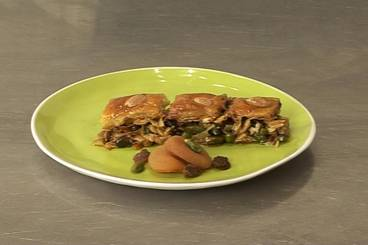 Baklava with almond and pistachio Recipe