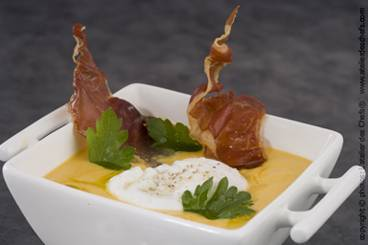 Veloute of pumpkin with poached egg, chestnut and crisped ham Recipe