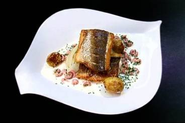 Crisp fillet of sea bass with braised fennel and brown shrimp vélouté Recipe