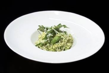 Green risotto with asparagus