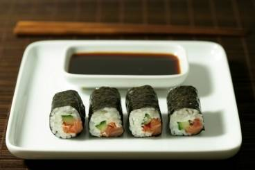 Salmon and goat's cheese maki rolls