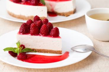 Baked ricotta cheesecake with a  raspberry caramel