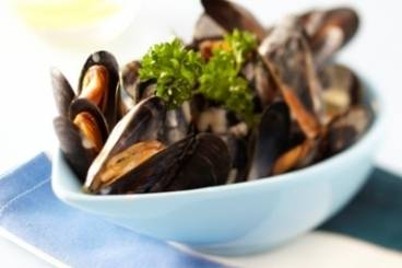 Creamy garlic mussels Recipe