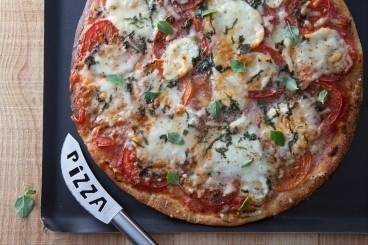 https://www.atelierdeschefs.com/media/recette-d23069-pizza-napolitaine.jpg