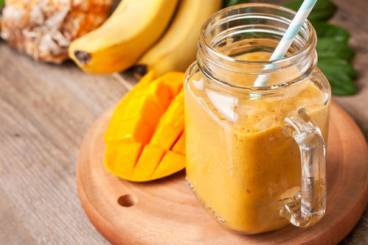 https://www.atelierdeschefs.com/media/recette-d23155-smoothie-mangue-facon-pina-colada.jpg