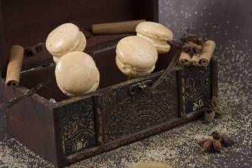 Vanilla, cinnamon and 5 spice macaroons
