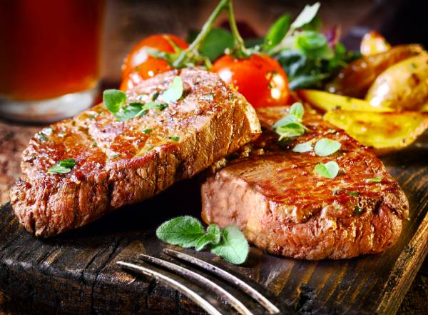 Chargrilled Sirloin steak, Bearnaise Sauce, Sauteed Potatoes and Watercress