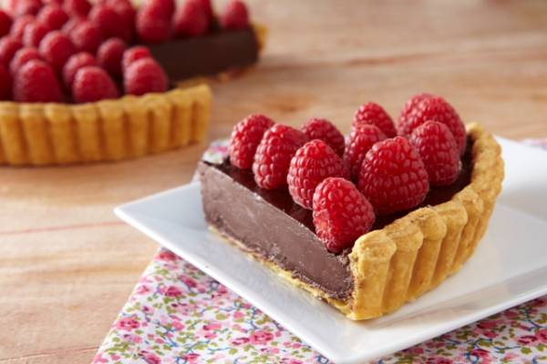 Dark chocolate & raspberry tart