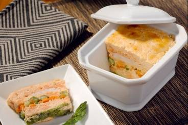 recette de terrine de langoustines et saumon aux petits. Black Bedroom Furniture Sets. Home Design Ideas