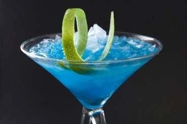 https://www.atelierdeschefs.com/media/recette-d7517-cocktail-blue-lagoon.jpg
