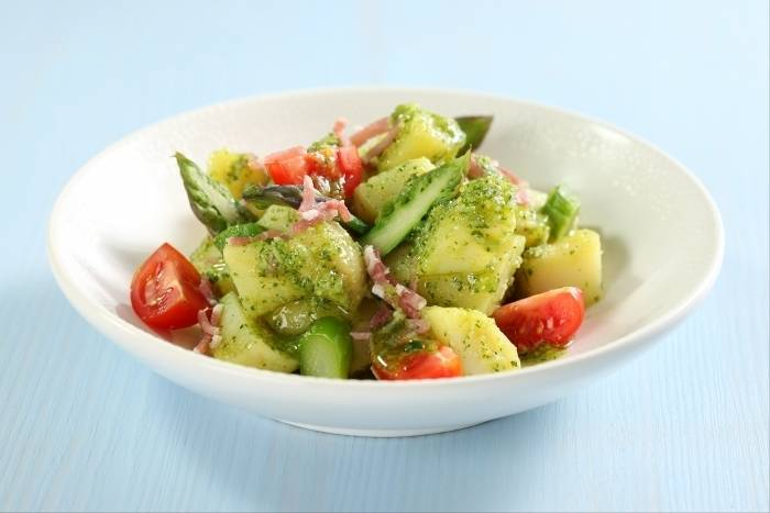 Potato salad with pesto and pancetta