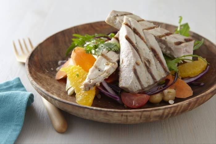 Grilled tuna with a Moroccan spiced raw vegetable salad Recipe