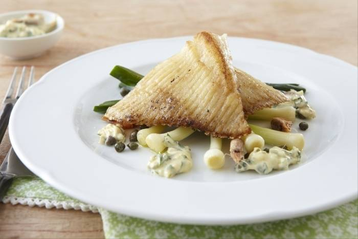 Roast skate with baby leeks and brown shrimp tartare Recipe
