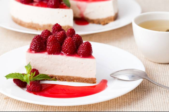 Baked ricotta cheesecake with a  raspberry caramel Recipe