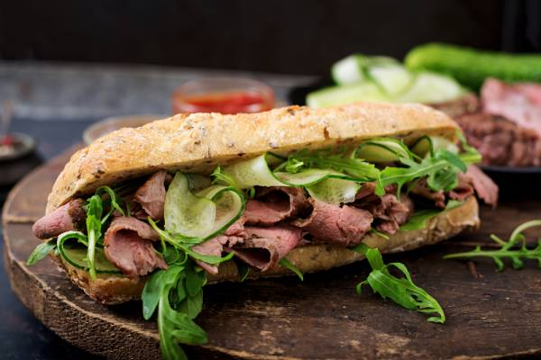 Steak sandwich with truffle mayonnaise and rocket salad Recipe