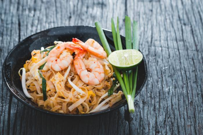 recette de pad thai vermicelles de riz saut s aux gambas. Black Bedroom Furniture Sets. Home Design Ideas
