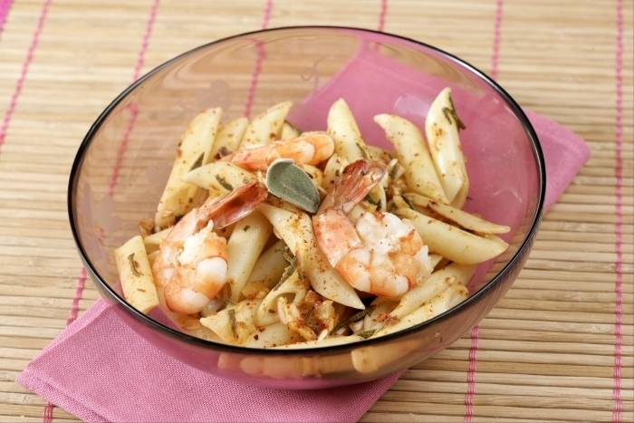 Penne and tiger prawn salad Recipe