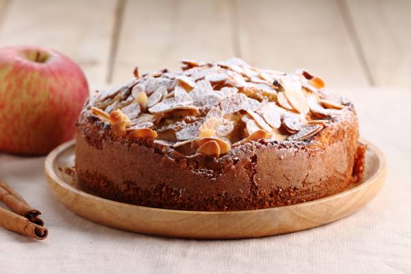 Apple and almond cake (Appelkaka) Recipe