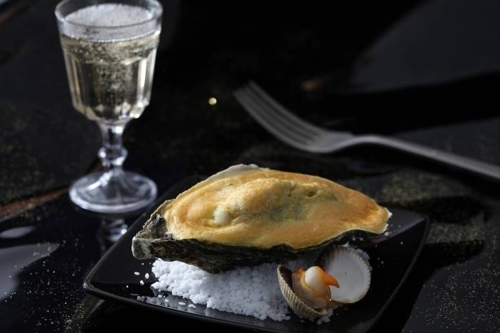 Grilled oysters with champagne sabayon and braised leeks Recipe