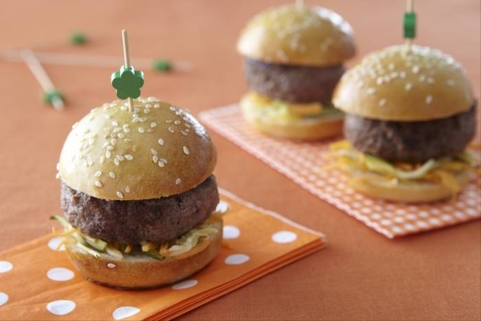 recette de mini burger sel fum et courgette acidul e facile et rapide. Black Bedroom Furniture Sets. Home Design Ideas